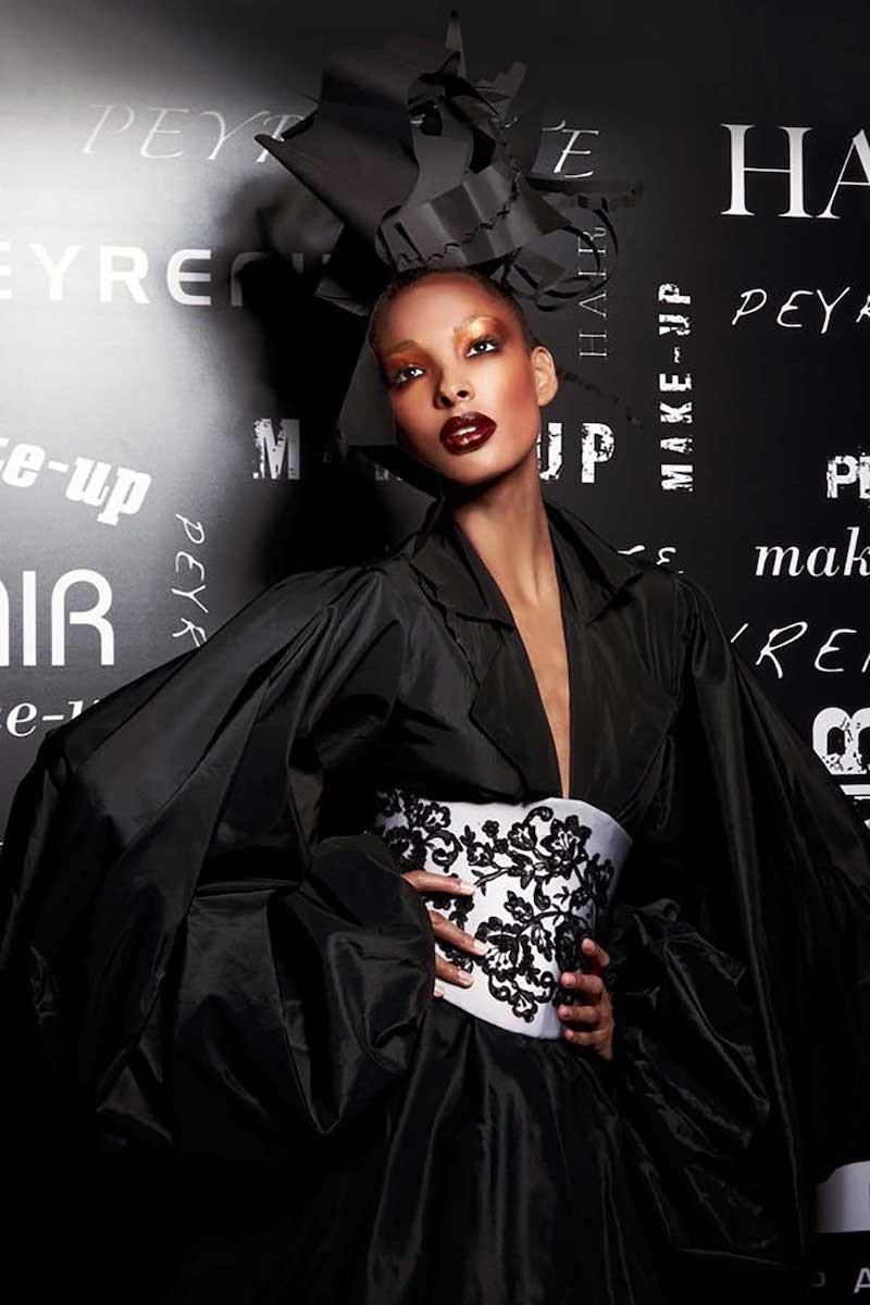 Maquillage défilé classique, haute couture et jeune créateur.