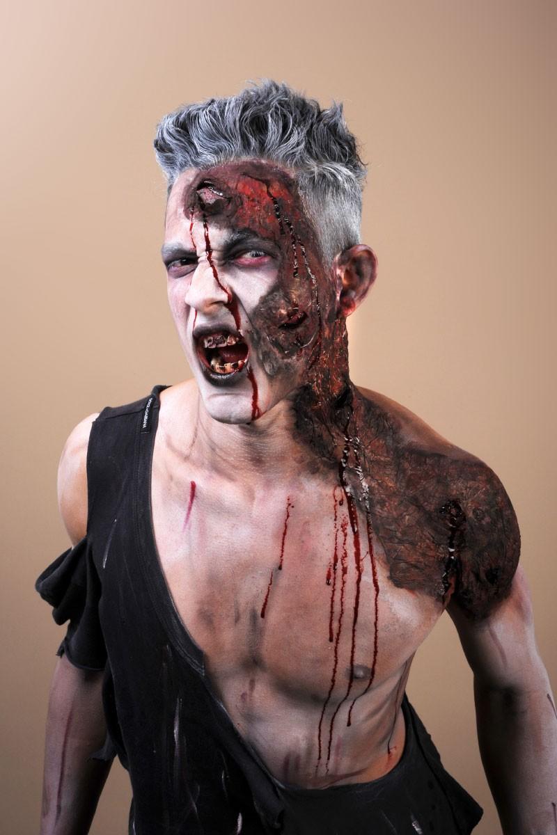 Maquillage monstre effets spéciaux faux sang, blessures.